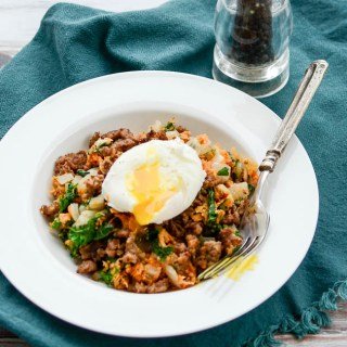 Sweet Potato & Kale Hash with Spicy Sausage is gonna blow your mind! | www.theeverykitchen.com