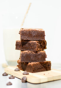 Seriously fudgy brownies or The Fudgiest Brownies on Earth   www.theeverykitchen.com