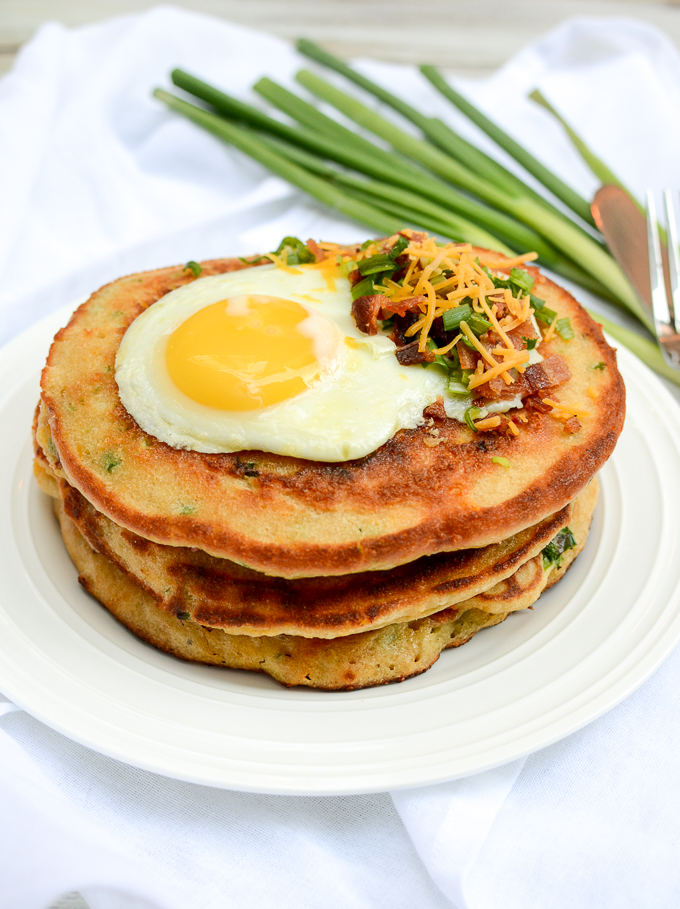 Bacon, Egg, and Cheese Pancakes | www.theeverykitchen.com