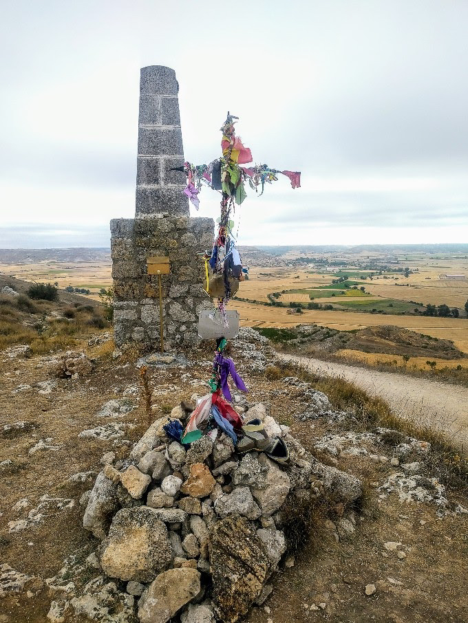 Pilgrim cross outside of Castrojeriz, Camino de Santiago | theeverykitchen.com