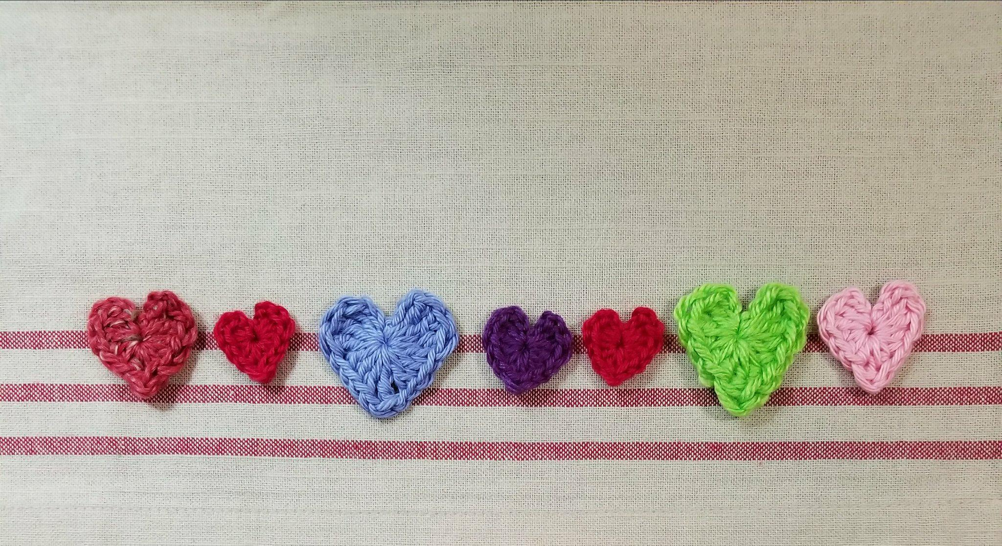 Crocheted Hearts – making little love tokens