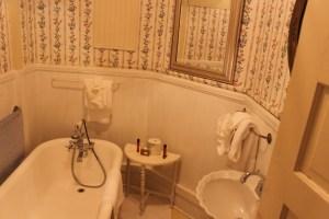 blalock-clawfoot-tub-handheld-shower