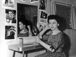 annette-1955_in her dressing room