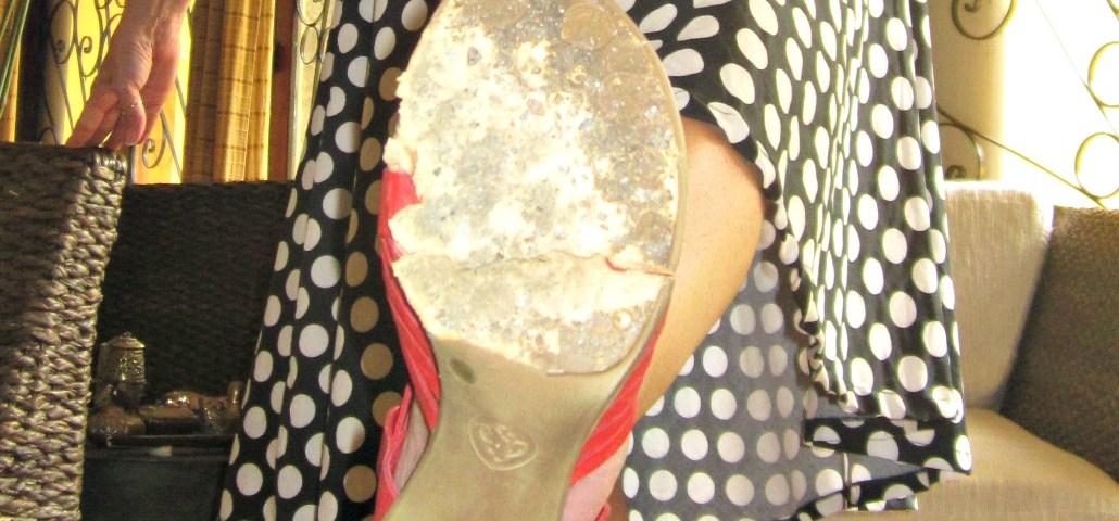 oh my heartsie gir wordless wednesday - shoe crisis