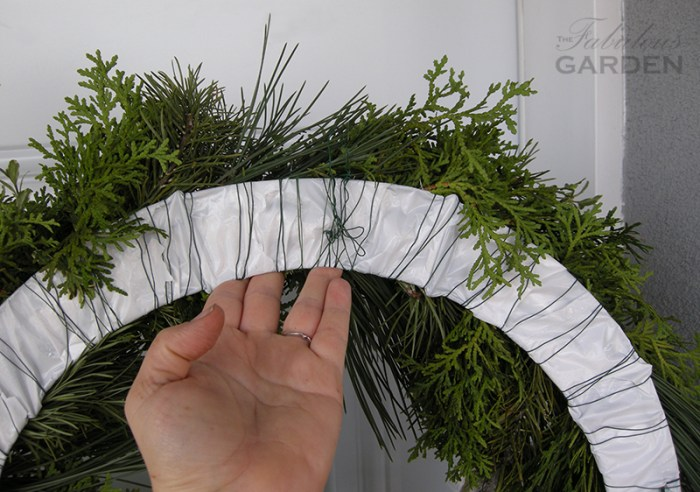 back of wreath showing wire