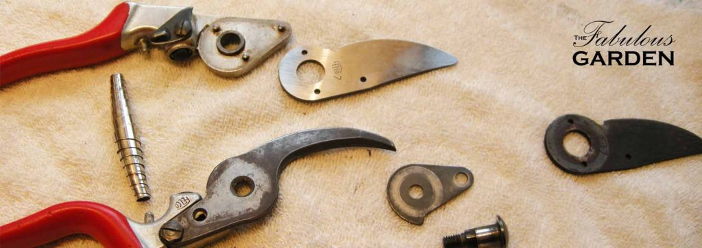 How to change the blade on a pair of secateurs