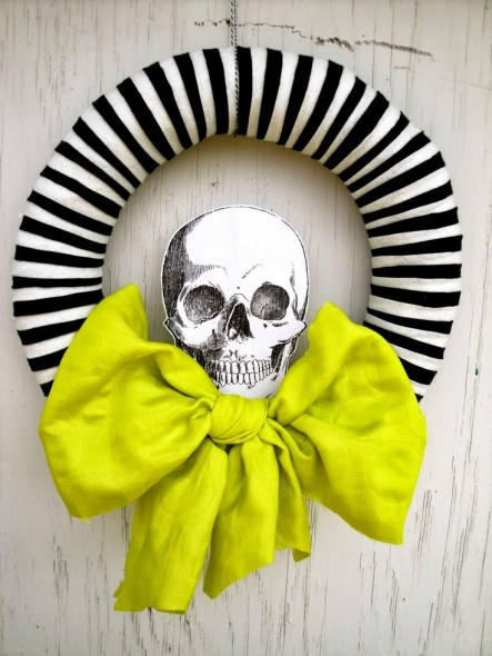 vintage-scull-wreath