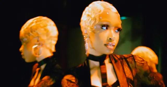 """Andrea Vallé shares electro-R&B jam """"Know You Bare"""" 1"""
