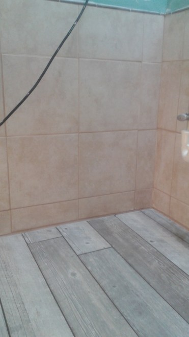 Beautiful, beautiful grout. It dried much lighter, of course.