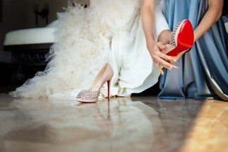 cabo-azul-wedding-louboutin-shoes-photo-by-atelier-pictures