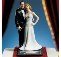 wedding-cake-topper-via-the-wedding-outlet