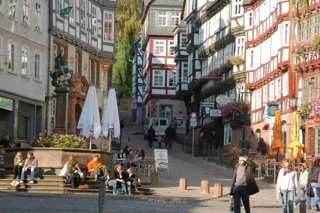 Market square in Marburg Photo Ralph Miachael Krum © Deutsche Märchenstraße e.V.