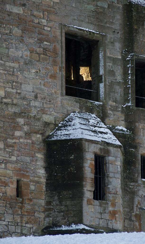 Linlithgow Palace ghost haunting Scotland castles