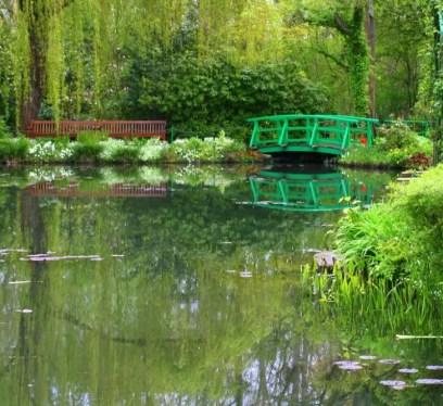 Monet's garden at Giverny, France Photo by Natasha von Geldern, Beautiful Gardens