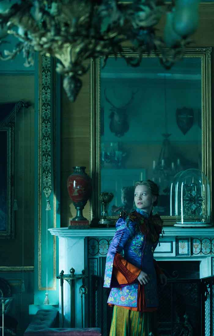 Alice through the looking glass, looking glass, mirror