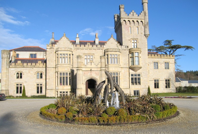 Solis Lough Eske Castle, Castle hotels