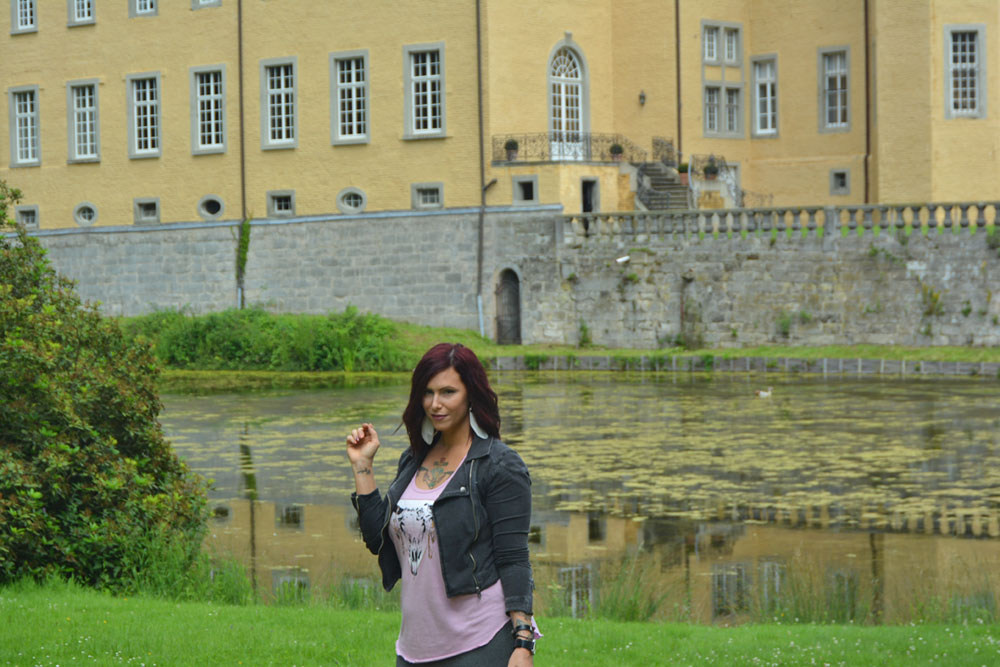 Things to do in Dusseldorf, Schloss Dyck, Christa Thompson