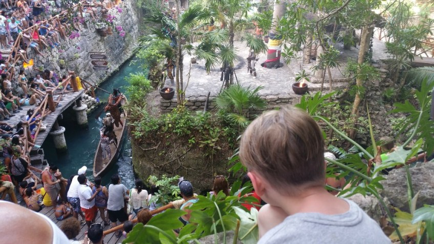 Sacred Mayan Journey Xcaret, Gauge Rybak