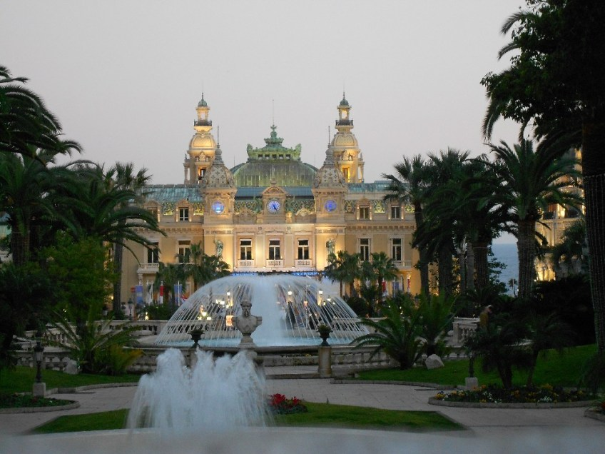 things to do in Monaco, staying at a casino