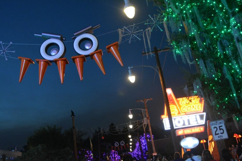 Cars Land Halloween, Haul-o-ween, Halloweentime, cars 3 in home release