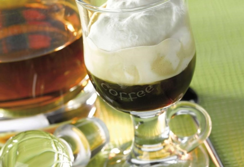 holiday cocktail ideas Irish Coffee