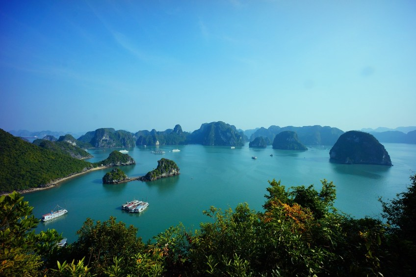 things to do in Halong Bay