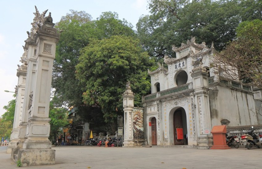 Quan Thanh Temple nearby Hanoi West Lake