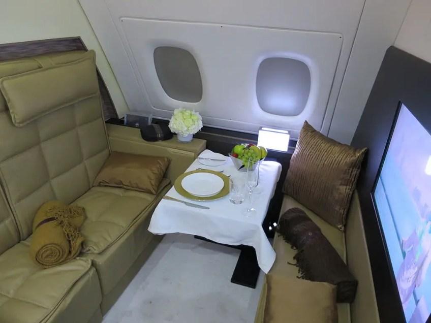 business class vs first class