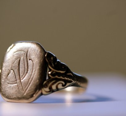 Mens gold seal rings