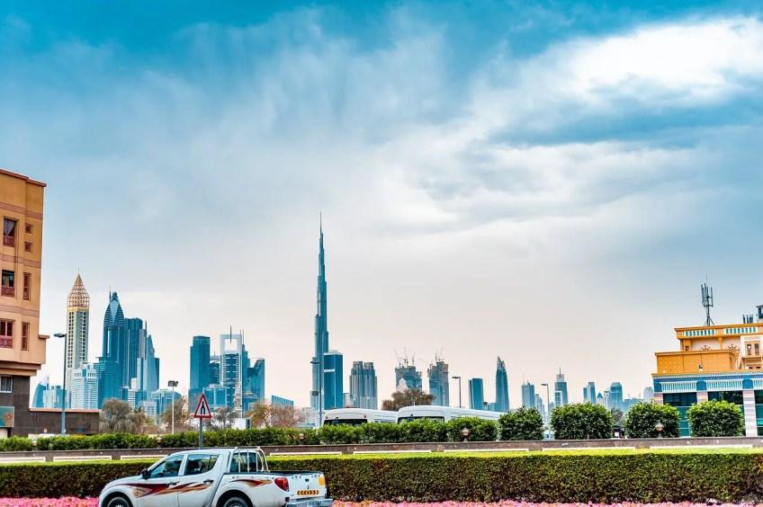 rent a car in the uae, dubai, united arab emirates, safety in the uae