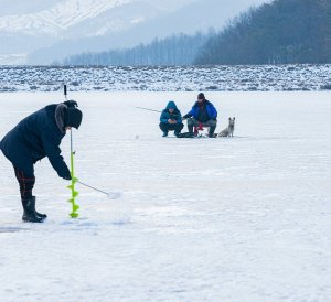 prepare for winter fishing, ice fishing