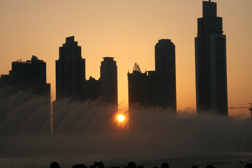 Places to visit in Dubai, dancing fountain
