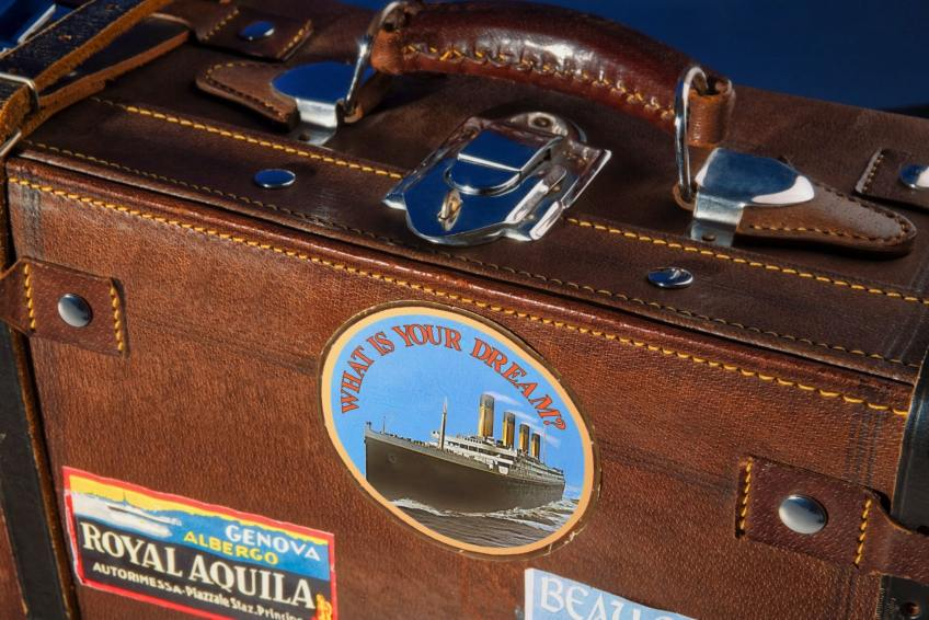 Luggage storage in London, tamper-proof bags, safety tips while traveling