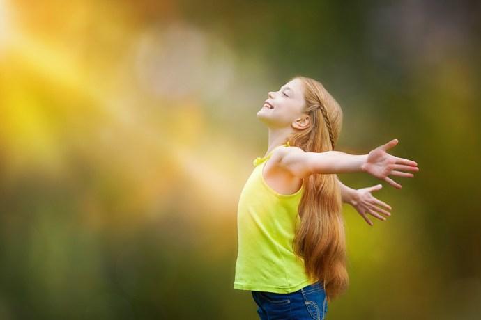 kid-joy-faith-praise_1000x667