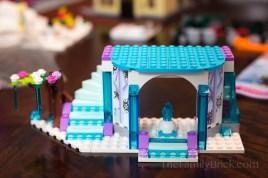 LEGO-elsas-sparkling-ice-castle-1