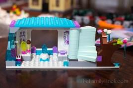 LEGO-elsas-sparkling-ice-castle-3