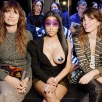 Nicki Minaj & Her Breast @Paris Fashion Week (News)