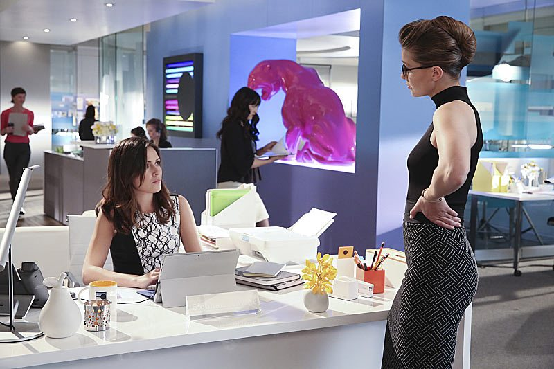 """Falling"" -- Kara turns on her friends and the citizens of National City after being exposed to Red Kryptonite makes her malicious and dangerous, on SUPERGIRL, Monday, March 14 (8:00-9:00 PM, ET/PT) on the CBS Television Network. Pictured left to right: Italia Ricci and Melissa Benoist Photo: Michael Yarish/CBS ©2016 CBS Broadcasting, Inc. All Rights Reserved"