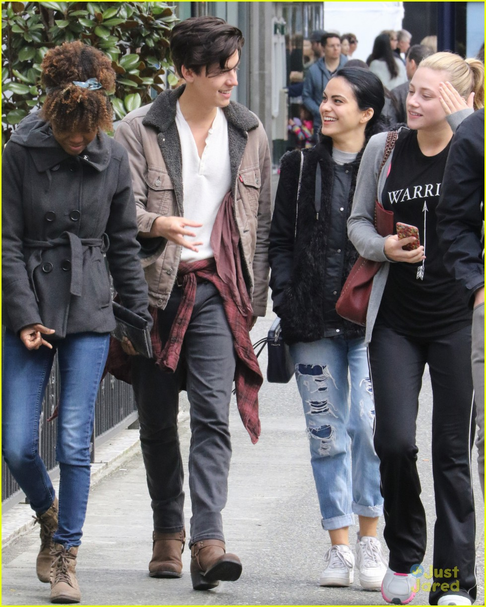 149658, Cole Sprouse goes for a walk with his fellow Riverdale cast members in Vancouver. Vancouver, Canada - Saturday March 19, 2016. Photograph: © Kred, PacificCoastNews. Los Angeles Office: +1 310.822.0419 sales@pacificcoastnews.com FEE MUST BE AGREED PRIOR TO USAGE