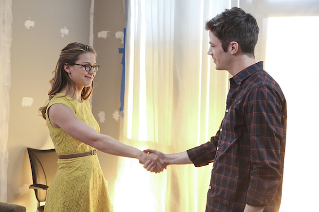 """""""Worlds Finest"""" -- Kara (Melissa Benoist, left) gains a new ally when the lightning-fast superhero The Flash (Grant Gustin, right) suddenly appears from an alternate universe and helps Kara battle Siobhan, aka Silver Banshee, and Livewire in exchange for her help in finding a way to return him home, on SUPERGIRL, Monday, March 28 (8:00-9:00 PM, ET/PT) on the CBS Television Network. Photo: Michael Yarish/Warner Bros. Entertainment Inc. © 2016 WBEI. All rights reserved."""