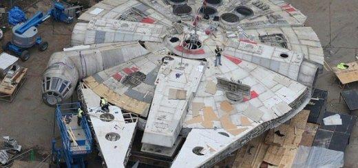 millennium falcon star wars episode VIII