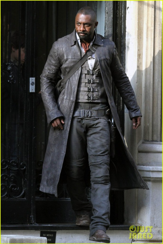 idris-elba-spotted-as-the-gunslinger-on-dark-tower-nyc-set-06