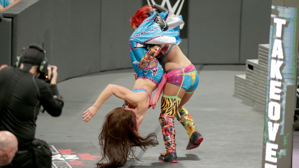 nxt-takeover-toronto-asuka-vs-mickie-james-7