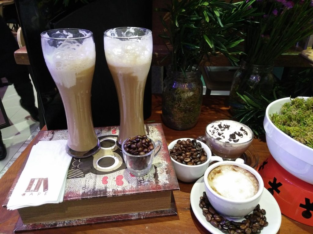 book-and-borders-cafe-eastwood-signature-drinks