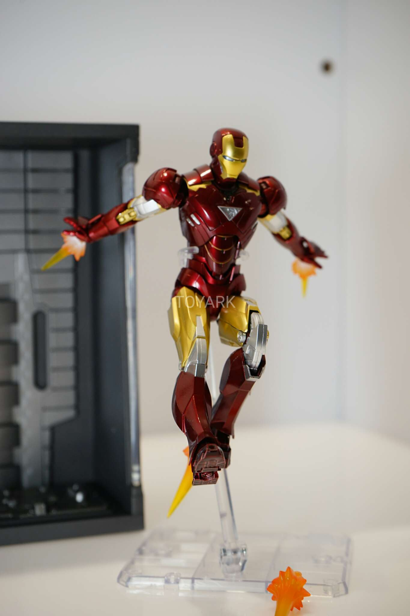 Toy fair S.H. Figuarts Iron Man Mark VI and Hall of Armor Set