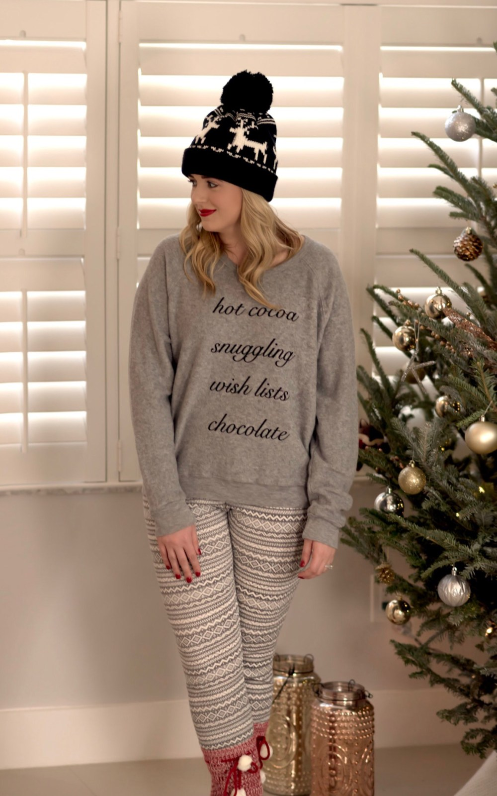 cute-holiday-sweater-nordstrom-fancy-things