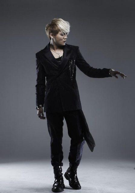 junsu all black