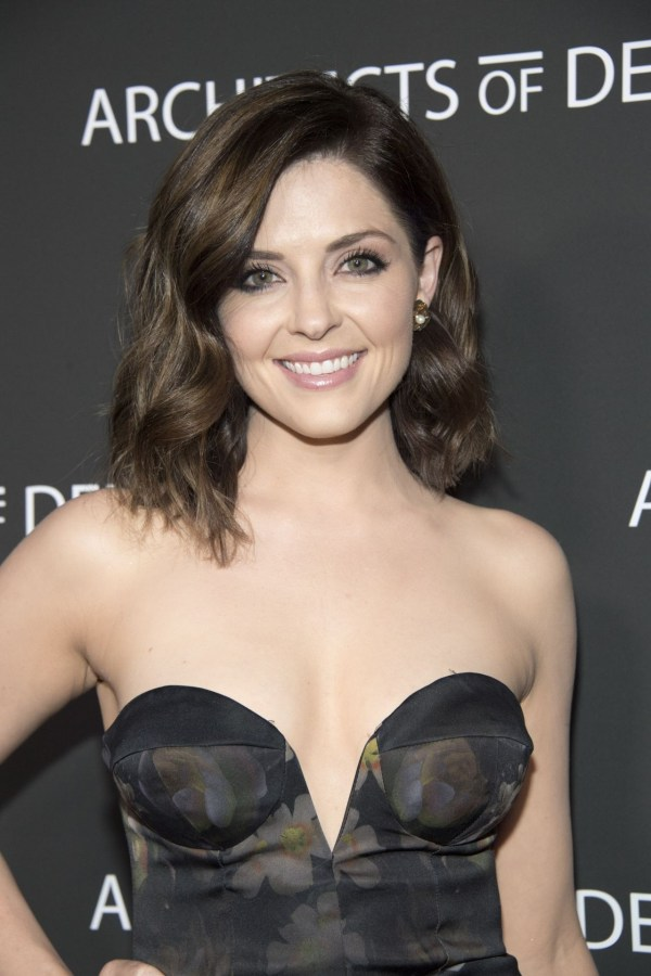 Jen Lilley Sexy in Los Angeles (4 Photos) | #The Fappening