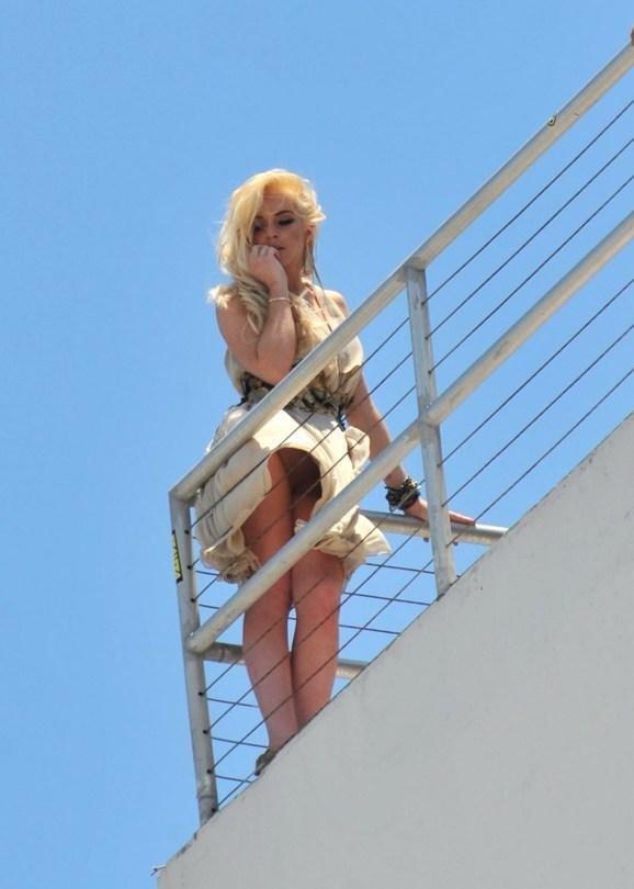Lindsay Lohan upskirt 005