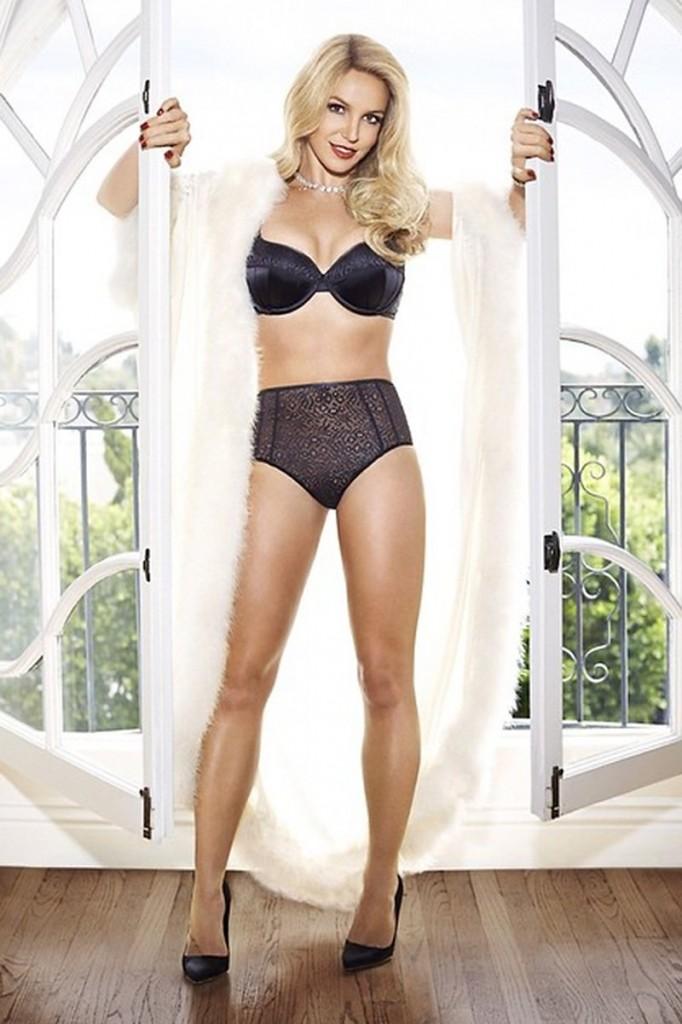 Britney Spears in Lingerie 01